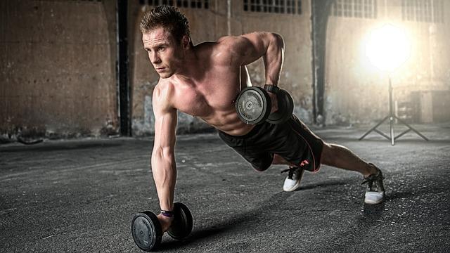 Eiweiß spielt im Sport eine wichtige Rolle bei Muskelaufbau und Regeneration